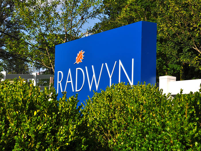 Radwyn Apartments Exterior Property Sign