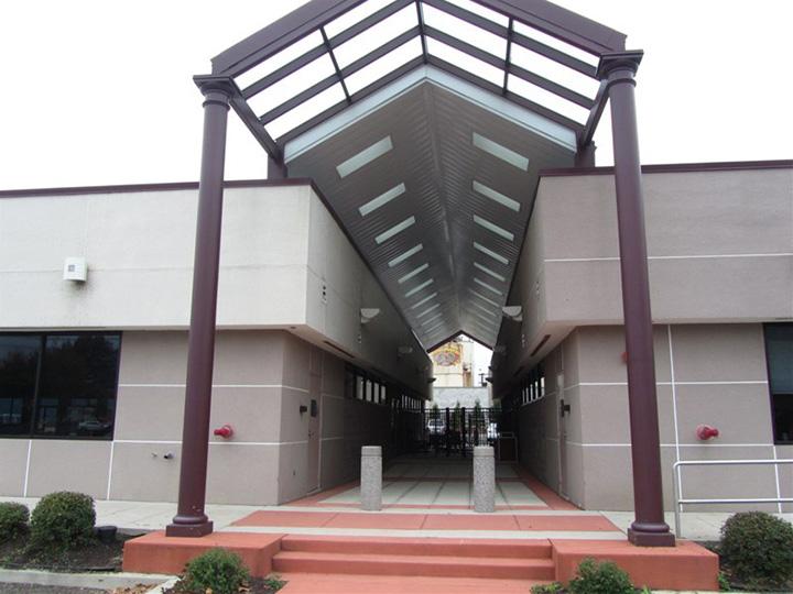 Kevon 2 building entrance